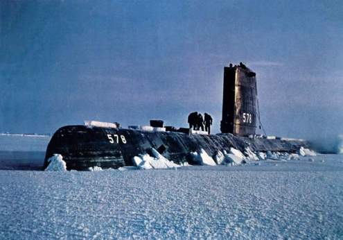 USS_Skate_(SSN-578)_surfaced_in_Arctic_-_1959 (1)